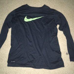 Long-Sleeve Nike Tee-Shirt